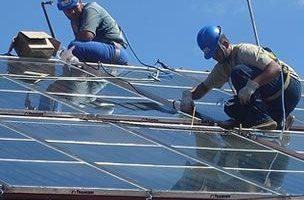 Estudia energías renovables solar y eólica